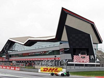 Пит-комплекс «Крыло» на английской трассе в Сильверстоуне. Фото Force India