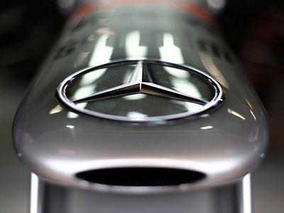 Нос болида Mercedes F1 W03