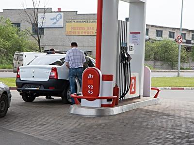 Цены на бензин к осени вырастут на 2,5 рубля