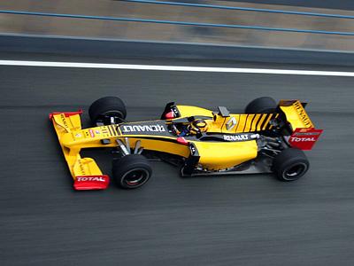 Болид Renault R30