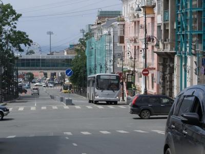 Левостороннее движение по улице Семеновской, г.Владивосток