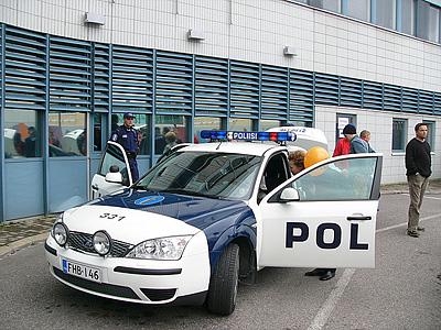Финский полицейский экипаж