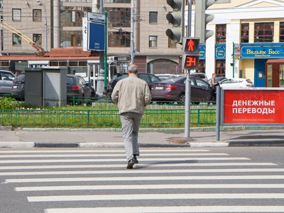 Пешеходы в России надеются, что об их безопасности должен заботиться кто угодно, но не они сами — отсюда и большинство бед