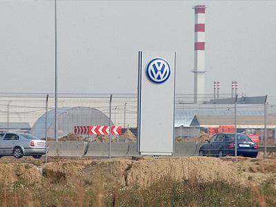 Стелла на въезде в калужский завод Volkswagen