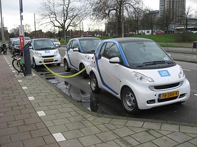 Мобильная станция зарядки электромобилей в Амстердаме