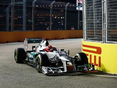 Михаэль Шумахер на этапе Формулы-1 в Сингапуре