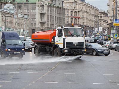 Мойка Тверской улицы в Москве