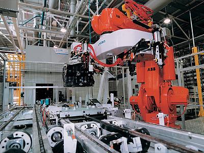 Конвейер по производству двигателей Renault
