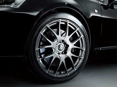 Lexus LS в обвесе TRD