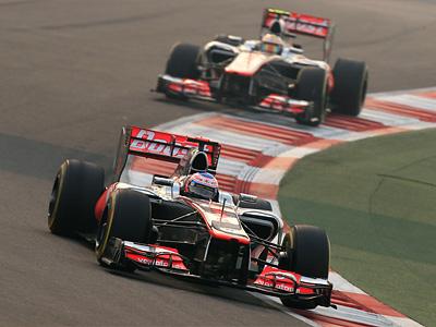 Пилоты McLaren в ходе свободный заездов на Гран При Абу-Даби
