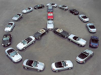 Импровизированный логотип Mercedes-Benz