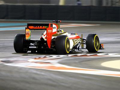 Педро де ла Роса за рулем болида F112 на этапе Формулы-1 в Абу-Даби