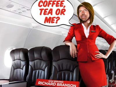 Ричард Брэнсон в роли стюардессы авиакомпании AirAsia