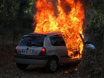 Поджог автомобиля во Франции