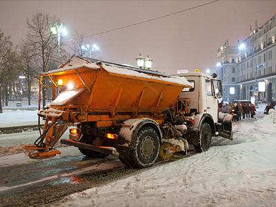 Снегоуборочная техника в центре Москвы