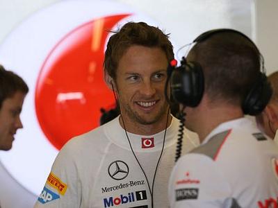 Дженсон Баттон в боксах McLaren