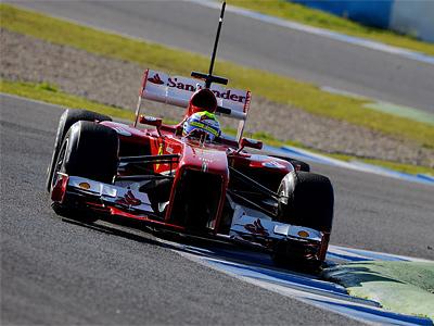 Фелипе Масса за рулем Ferrari F138 на автодроме в Хересе