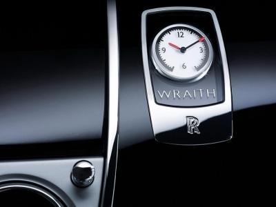 Часы Rolls-Royce Wraith