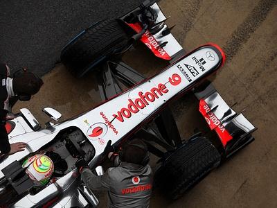 Серхио Перес за рулем McLaren MP4-28