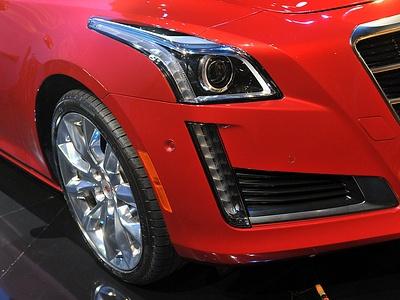 Новый Cadillac CTS на автосалоне в Нью-Йорке