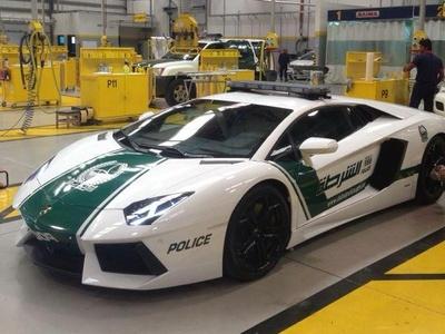 Полицейский Lamborghini Aventador