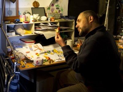 Создатели ролика – студия «Пластилин» Сергея Меринова. Режиссером ролика стал Михаил Алдашин