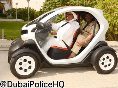 Renault Twizy в раскраске полиции Дубая