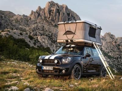 MINI Countryman ALL4 Camp, оснащенный палаткой на крыше