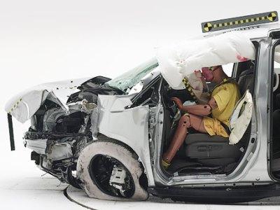Краш-тест Honda Odyssey