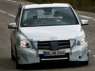 Тестовый прототип обновленного Mercedes-Benz B-Класса