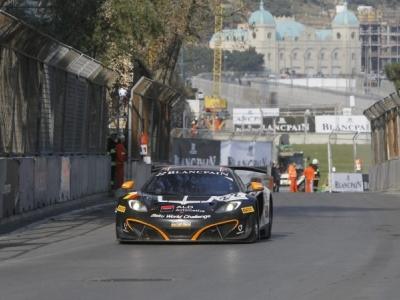 Гонка серии FIA GT на городской трассе в Баку