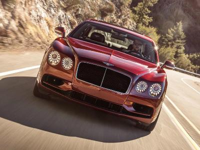 Новые Bentley Flying Spur V8 Sдобрались до российских владельцев