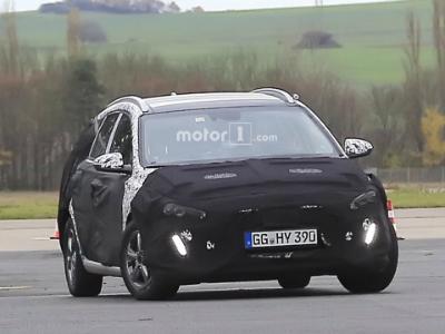 Универсал Hyundai i30 нового поколения впервые заметили натестах class=