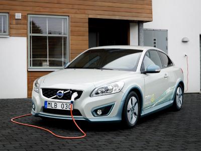 Volvo выпустит свой первый электромобиль в 2019 году