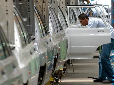 700 служащих заводаGM вВенесуэле были уволены поСМС