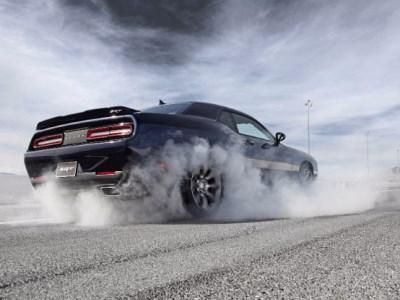 Репортеры требуют запретить Dodge Challenger SRT Demon кататься пообычным дорогам