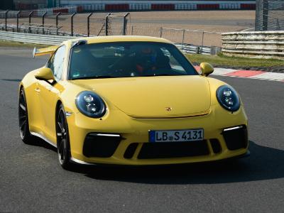 Обновленный Порш 911 GT3 заметно улучшил собственный рекорд