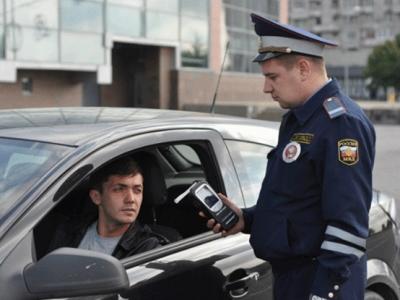 Алкотестер отHitachi сумеет идентифицировать личность водителя