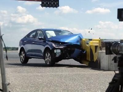 Новый Hyundai Solaris прошёл краш-тест сучастием человека