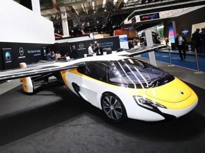 AeroMobil представил версию 4.0 во Франкфурте