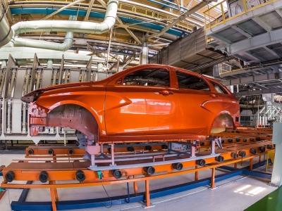 Производство легковых авто в Российской Федерации выросло начетверть