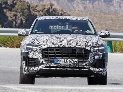 Частично рассекречен салон Audi Q8