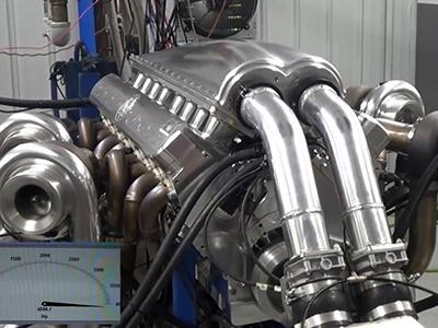 Видео: Посмотрите, как 12-литровый мотор развивает 5000 сил