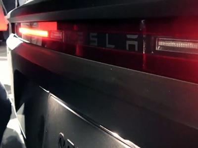 Первый разгон электрического грузовика Tesla Semi. ВИДЕО