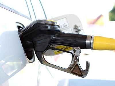 Власти придержат цены на топливо до конца года
