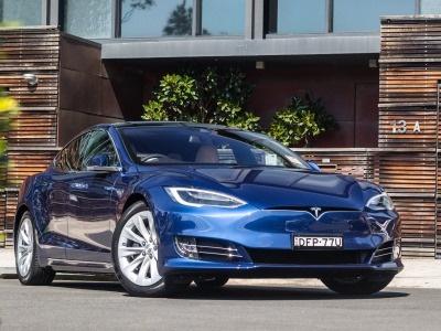 Практически навсех выпущенных Tesla находят недостатки