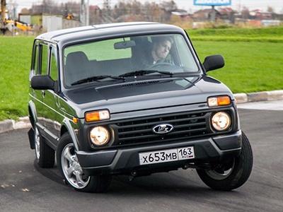 «АвтоВАЗ» на волне успеха привез в Германию пятидверную Lada 4x4