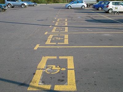 Позакону: 10% всех парковок закрепили заинвалидами