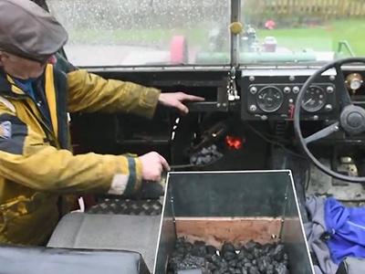 Британский пенсионер установил на Ленд-Ровер паровой мотор
