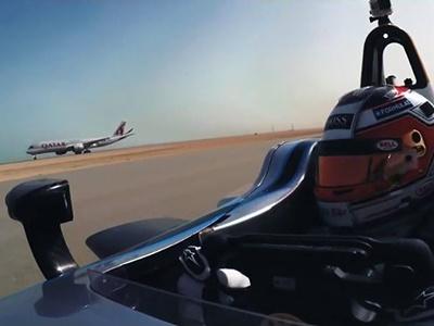 Видео: Электрическую Формулу выставили против двух самолетов